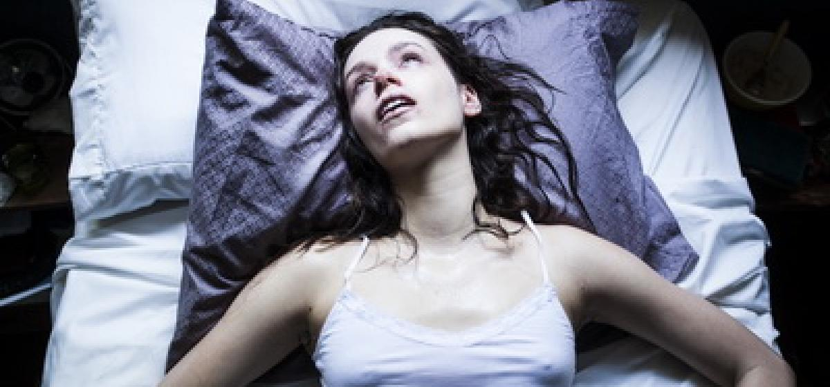 starry eyes promo shot bed1
